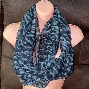 Black and gray infinity scarf 🧣